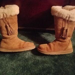 Ugg Australia Plumdale charm womens boots